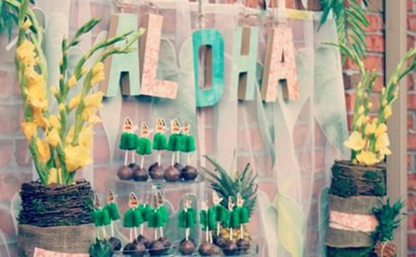 Luau Party Decor: Tablescapes & Food Displays