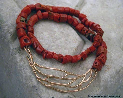 Alghe centrocollana-chiusura oro rosso corallo| Laura Volpi Gioielli