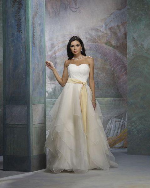 Lovely Design Yellow Sash Tiered Sweetheart Strapless Princess Wedding Dress