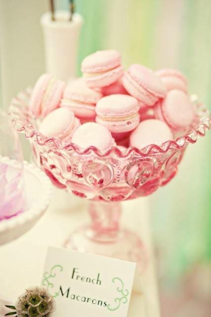 """Έτοιμες για ένα """"ροζ πάρτυ"""" ; / Girls Night in Pink - Save The Date"""