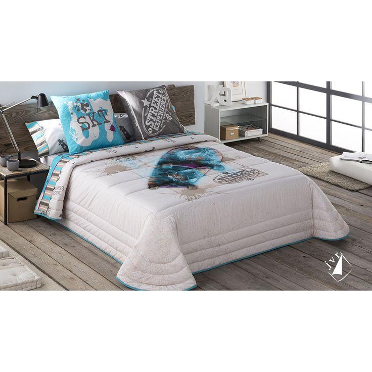 Bouti Juvenil con diseño moderno de monopatín. Ideal para dormitorios juveniles. Cojines a juego con la colcha bouti.