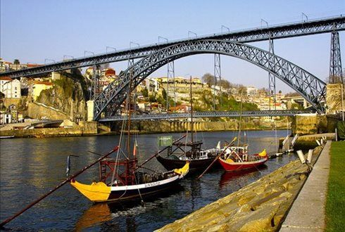A bordo do Magic Train poderá conhecer a cidade do Porto e chegar às caves de Gaia para se deliciar com duas provas de vinho do Porto. 2 adultos + 2 crianças por apenas 12€. - Descontos Lifecooler