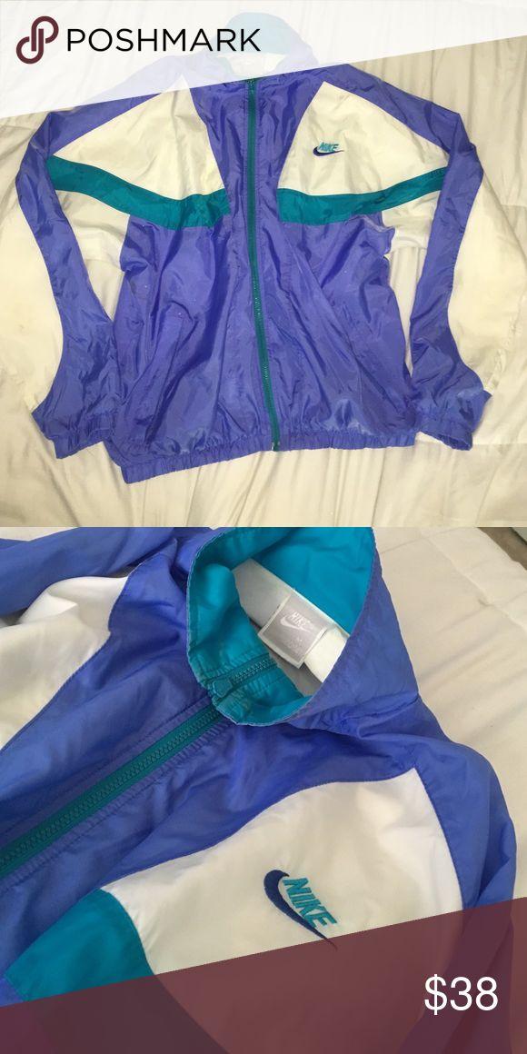vintage nike windbreaker!! super warm cute jacket Nike Jackets & Coats
