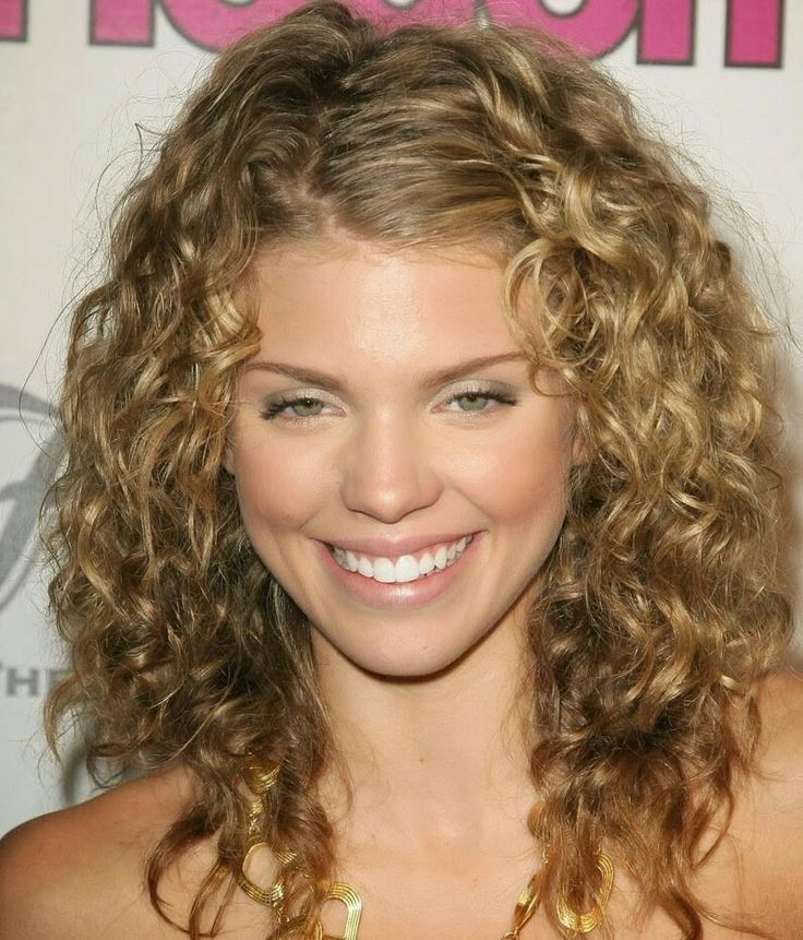 style medium length curly hair 17 best ideas about shoulder length curly hair on 2858
