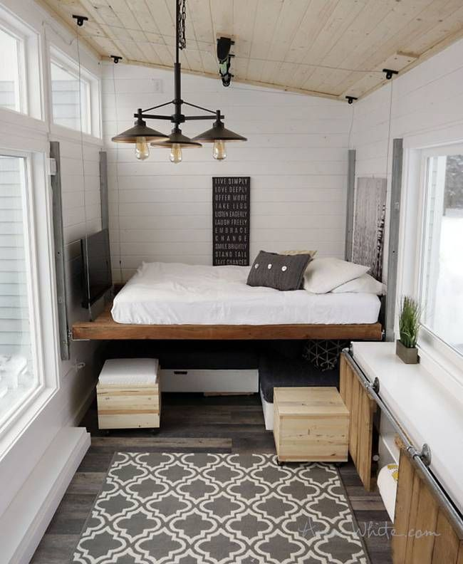 Brilliant tiny house features $500 DIY elevator bed built with free plans (Video) : TreeHugger