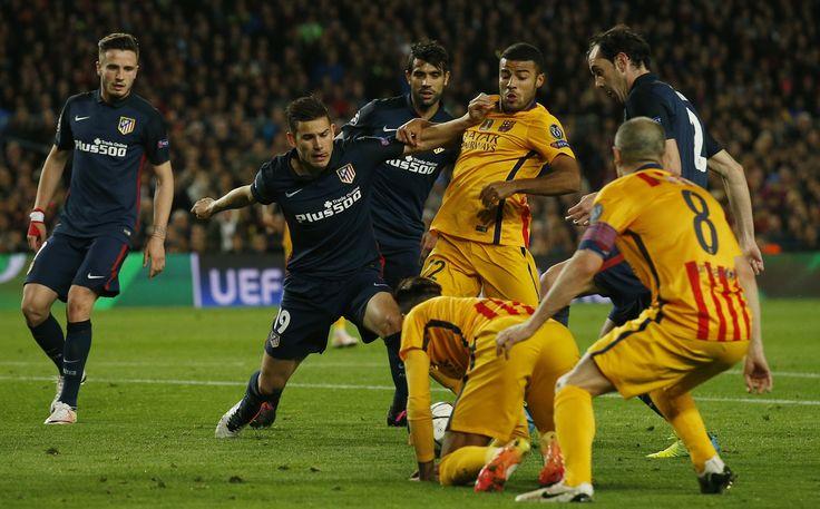 Lesão na coxa tira Rafinha do jogo decisivo do Barcelona contra o Atlético #globoesporte