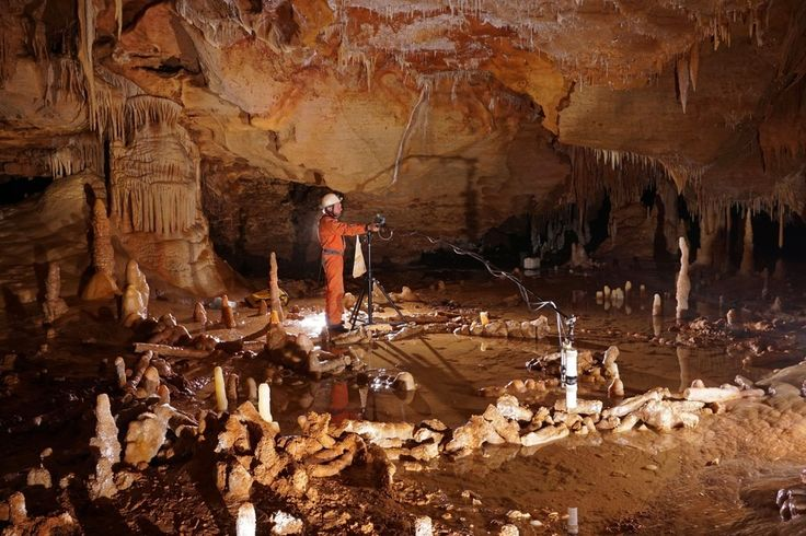 Early Neanderthals may have had religious rituals 176,500 years ago, before modern humans had left Africa