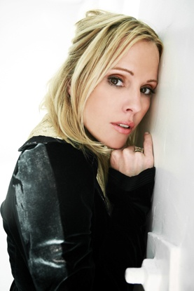 Emma Caulfield is now on Pinterest. Fuck yeah. Seriously, I want to be her if I ever grow up.
