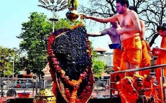 Shani Shingnapur row: Men devotees too barred to keep women out of the temple