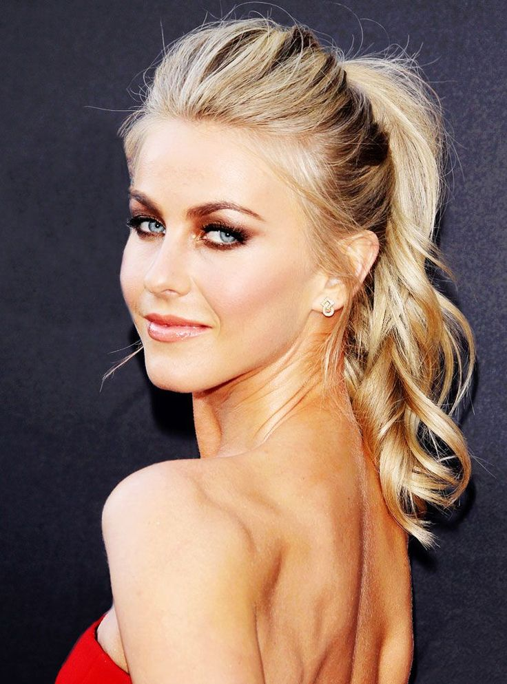 Julianne Hough's voluminous pony isn't as simple as it looks.