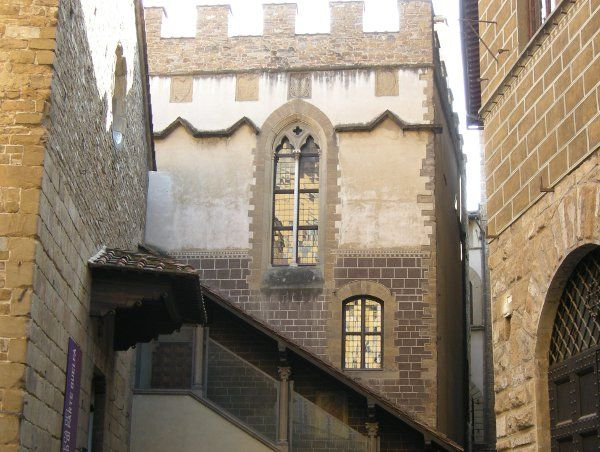 Palagio di Parte Guelfa: la biblioteca e il Calcio Storico Fiorentino