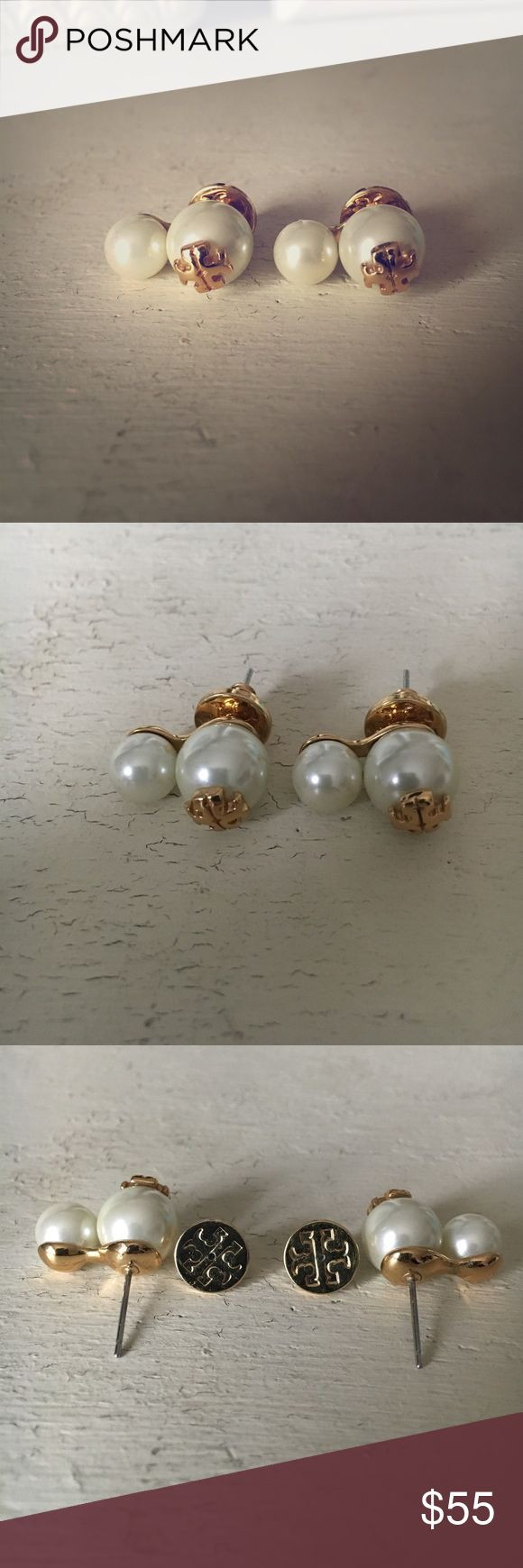 Tory Burch Stud Double Pearl Earrings Tory Burch Stud Double Pearl Earrings, in perfect condition. I have only worn these for a few select events! Super cute earrings, solid quality! ❤ Tory Burch Jewelry Earrings