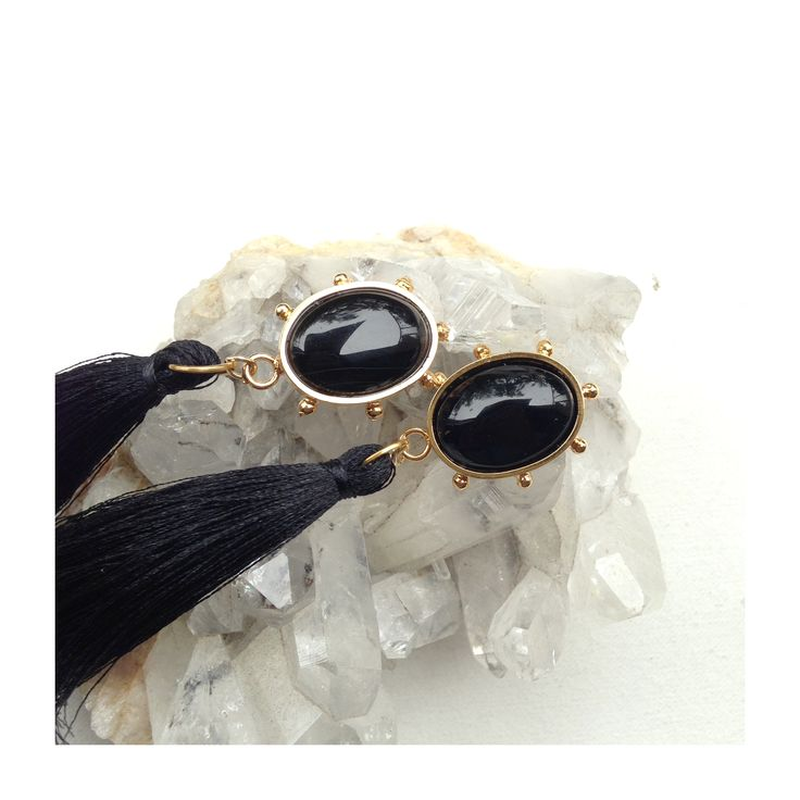 Aretes con piedra ónix. Fringe earrings with onyx