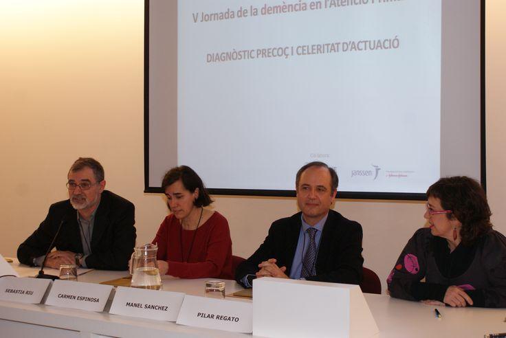 El Dr. Riu modera la segona taula amb Dra. Carmen Espinosa, Dr Manel Sanchez i Dra. Pilar Regato (d'esquerra a dreta)