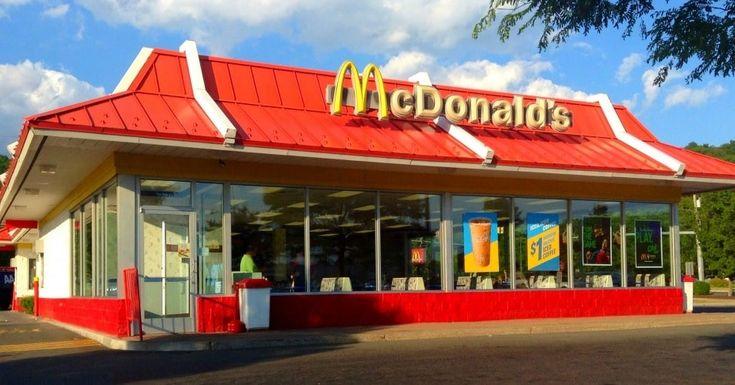 A cadeia americana de comida rápida McDonalds desenvolveu curioso processo de recrutamento em que os candidatos têm de iniciar o seu processo através de um breve filme realizado com auxílio do Snapchat. O rival Burger King já copiou mais uma vez a ideia (idiota) deste novo modo de recrutamento.