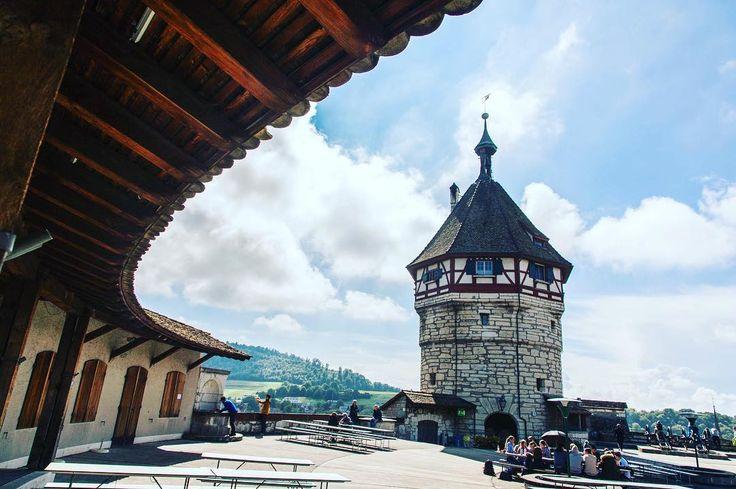 Munot Fortress over the Schaffhausen City in Switzerland . . . #munotfortress #schaffhausen #switzerland #schweiz #igerseurope #travelcommunity #timeoutsociety #teamwanderlust #welivetoexplore #wearetravelgirls #travel_drops #wonderful_places #beautifuldestinations #exceptional_pictures #speechlessplaces #travelblogger #girlslovetravel #girlsborntotravel #femmetravel #thetravelwomen