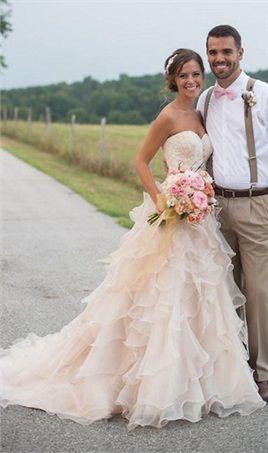 Blush Pink Country Western Wedding Dresses Vintage Sweetheart Neckline Lace Court Train Ruffles Organza Wedding Dress Bridal Gowns 2016