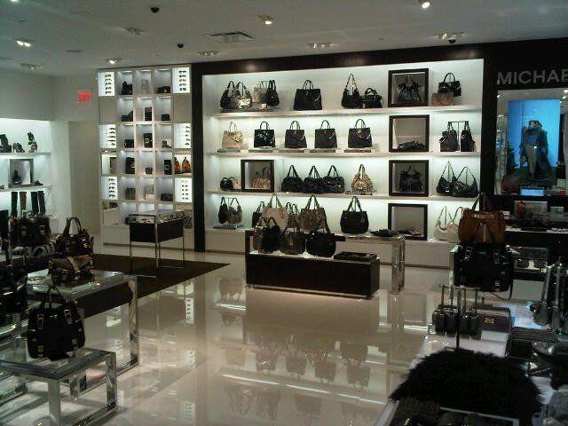 http://img.purseforum.com/attachments/contemporary-designers/michael-kors/1216063d1285815452-new-michael-kors-store-62291_10150259737850551_200736335550_14943342_8215816_n.jpg