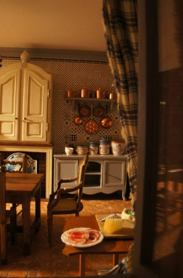 Miniature dollhouse kitchen 1/12 scale By CosediunaltroMondo Milano
