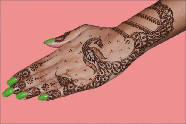 Latest Mehndi Designs - Gorgeous Dancing Peacock And Flowers
