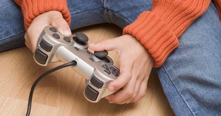 """Como sair do jogo """"Kinect Adventures"""". O """"Kinect Adventures"""" é um jogo gratuito que acompanha todos os sensores Kinect para o Xbox 360. Nesse jogo, o controle padrão do Xbox não é usado. Você deve usar todo o seu corpo para jogar, criando movimentos que o sensor Kinect traduzirá para o seu avatar na tela. Embora os botões do controle sejam replicados como movimentos, o controle em si ..."""