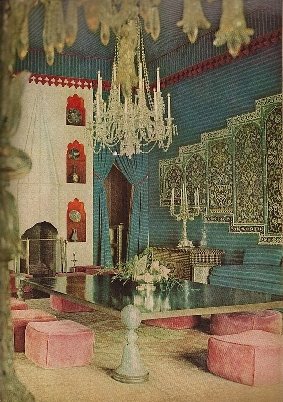 Doris Duke's Shangri La – A House in Paradise Hawaii - vogue 1966. Oh good grief, the pink suede ottomans.  I can barely stand it, so gorgeous!!