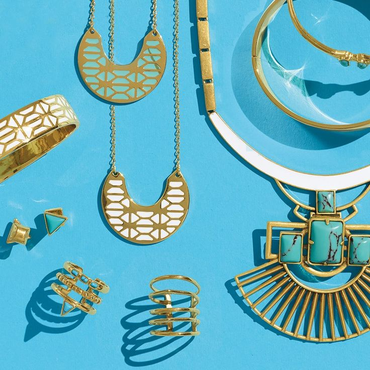 Stella & Dot. Sells jewelry through its network of commission-earning stylists, individuals who sign up with the company to host trunk sales of the merchandise in their local communities.