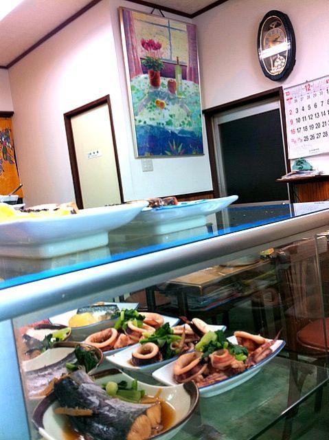 若松,今日の特殊部隊(`_´)ゞ出撃 - 7件のもぐもぐ - イカ煮物,サワラ煮物, by shigeo3