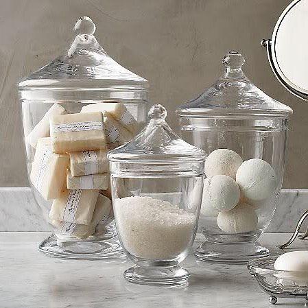 Que tal utilizar diferentes tamanhos de potes de vidro para organizar o…