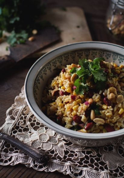 Salade de riz mexicaine, végétarien, pour les étudiants, menu santé, sans gluten