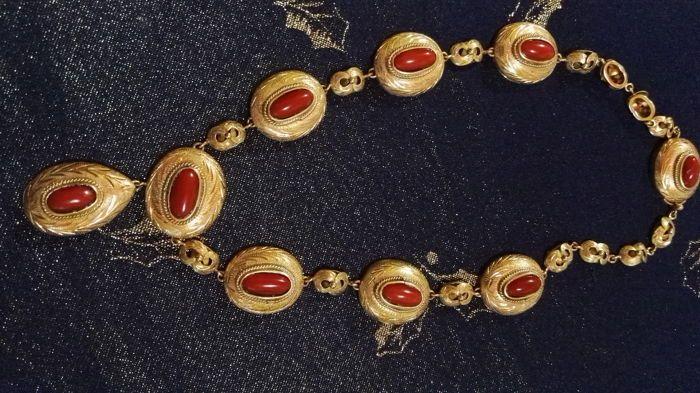 Online veilinghuis Catawiki: Antieke gouden ketting, 12 kt met Cerasuolo rood koraal