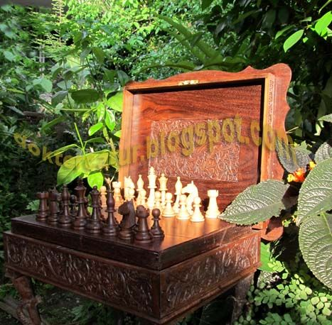 http://doktercatur.blogspot.com rosewood chess pieces