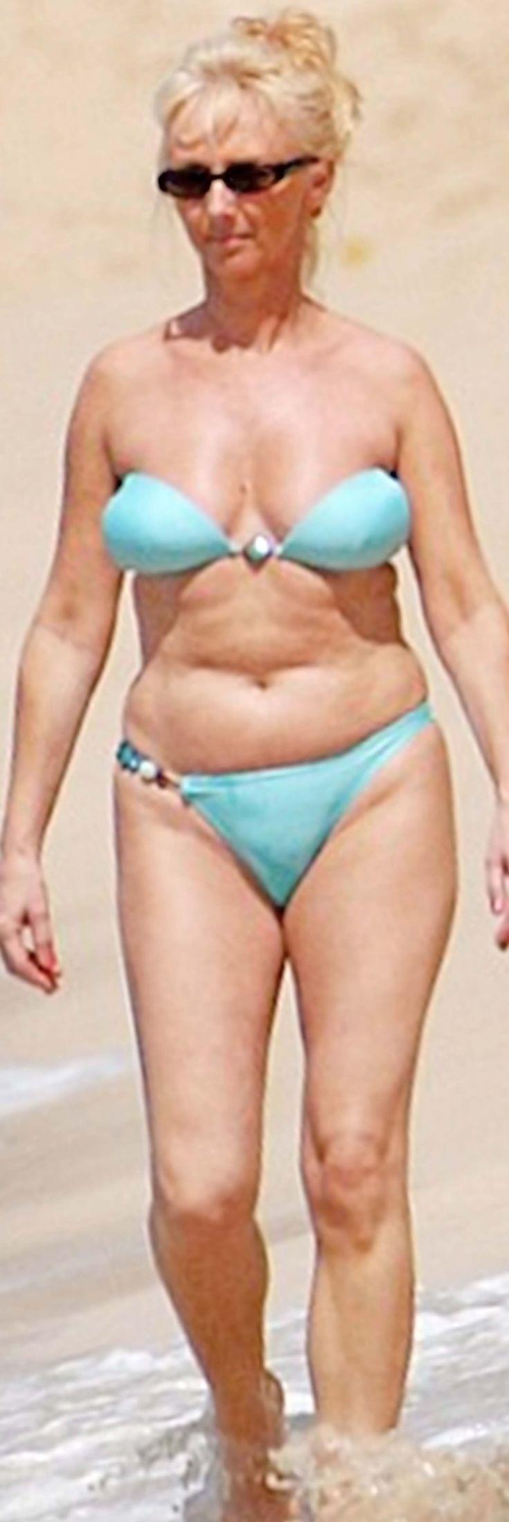 Mature women in bikinis love