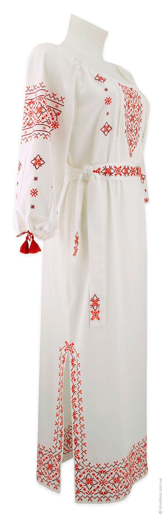 Довге плаття з розрізом з філігранною червоною вишивкою