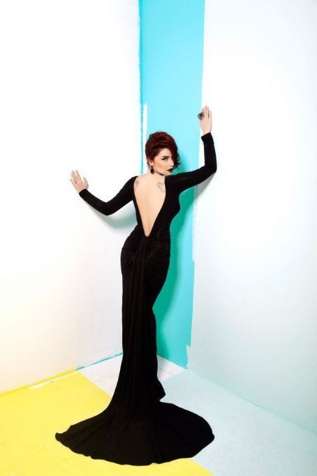 The Dress, The Posing, The Woman! Love her! Just SILA