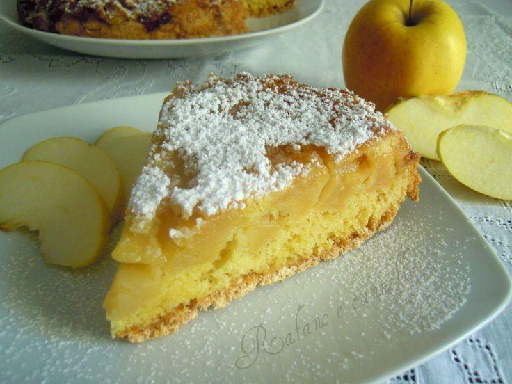 La torta rovesciata alle mele è un dolce semplicissimo da preparare e molto gustoso... ideale per la merenda e la colazione.