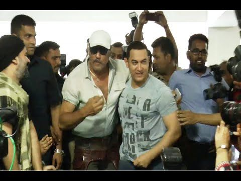 WATCH Jackie Shroff visits Aamir Khan's house to wish Aamir on his 50th birthday.  See the video at : http://youtu.be/b6U08EVLkfY #jackieshroff #aamirkhan #bollywoodnews #bollywood