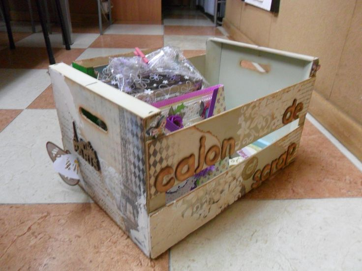 Caj n de scrap caja de madera de frutas tuneada para el - Decorar con cajas de frutas ...