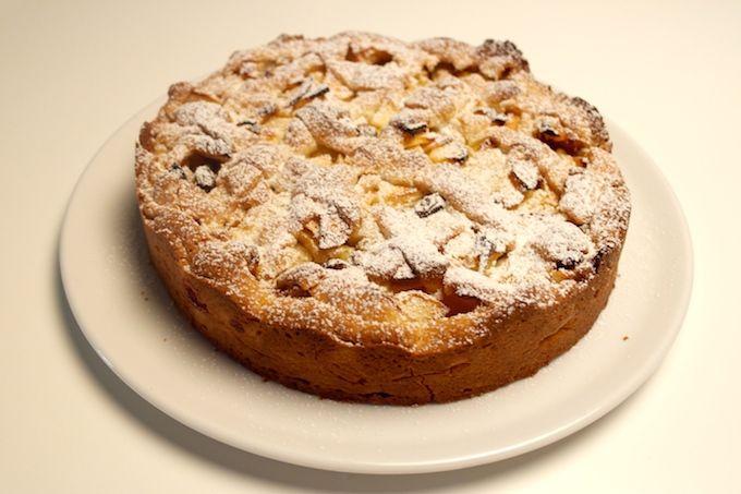 My favorite apple cake! www.FoodFamily.net
