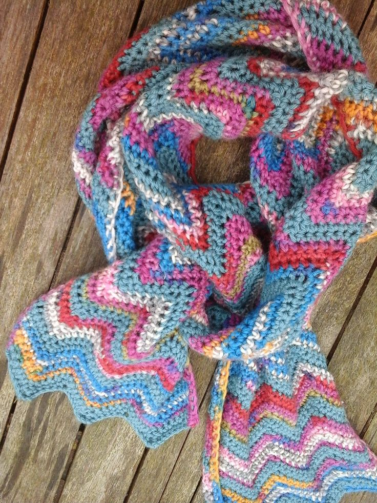 Granny Cool: Free crochet Chevron Scarf Pattern. Love the colours.