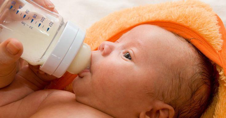 Presque tous les nouveau-nés régurgitent une certaine quantité de lait après leurs boires, mais quand c'est plus qu'un peu, on s'inquiète de sa croissance et de sa santé.