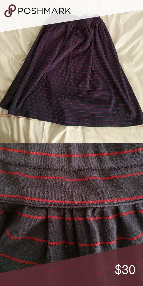 """Vintage cotton jersey knit skirt! Beautiful navy blue and red cotton heavy jersey knit. Late 80s, early 90s. No size, so your guess is as good as mine. You'll have to go off the measurements. It's stretchy and soft. Measurements:  Waist: 28-30"""" Hip: free Length: 25.75"""" Vintage Skirts Midi"""