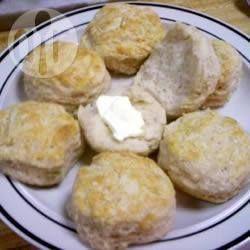 Aprovechando los búlgaros, pajaritos o Kefís podemos hacer estos scones de yoghurt con frutas.