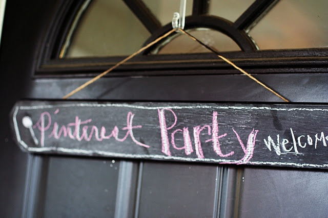 Pinterest PartyCrafty Stuff, Chalkboards Painting, Host A Pinterest Parties, Doors Signs, Crafts Tutorials, Parties Ideas, Pinterest Crafts, Parties Time, Crafts Parties