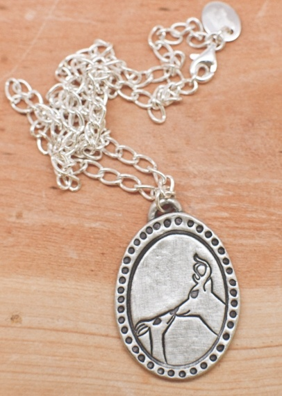 This would be my perfect Valentines Day gift! LOVE IT!!!! This is kind of awesome.Artists, Birthday, Leonard Design, Lisaleonardonline Com, Dear Necklaces, Necklaces 46 00, Deer Necklaces, Graphics Design, Mi Dear
