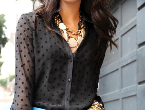 great top and jewelry: Polka Dots, Statement Necklaces, Blouse, Polkadot, Street Style, Black Gold, Gold Jewelry, The Dots, Chunky Necklaces