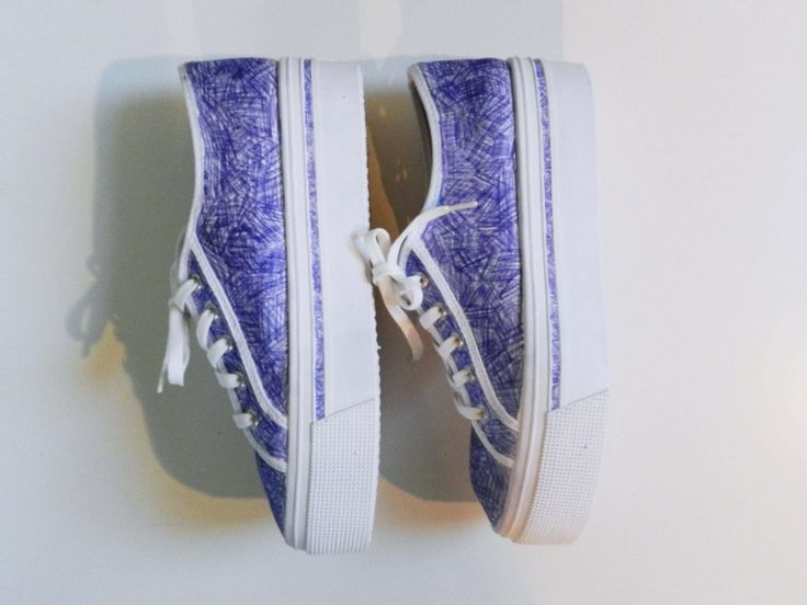 DIY: customized balpen sneaker - Pagina 4 van 6 - ELLE.be