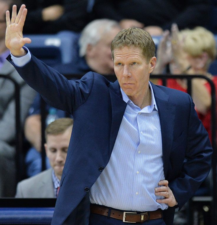 USA TODAY Sports Bracketology: Assessing why 29-0 Gonzaga's barely a No. 1 seed
