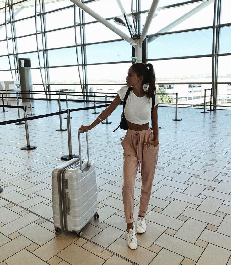 Flugzeug-Outfit – Mode – #FlugzeugOutfit #Mode