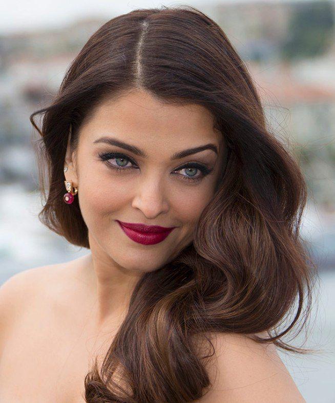 aishwarya rai - carmin red lips + matching earrings